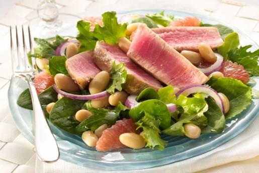 Ahi Tuna and Grapefruit Salad with White Beans